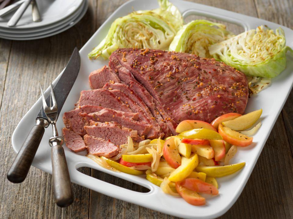 Corned Beef with Apple-Onion Saute Recipe Photo - Diabetic Gourmet Magazine Recipes