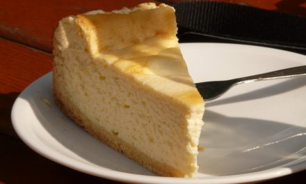 Italian Cheesecake with Pecan Crust