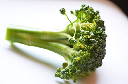 Raw vs. Cooked Broccoli: Is Raw Broccoli More Nutritious?