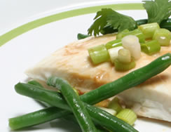 Steamed Halibut with Ginger and Green Beans