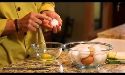 How to Crack Eggs