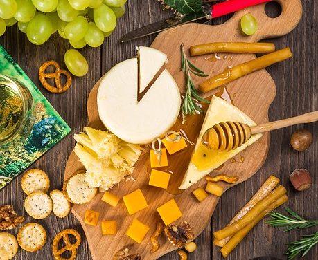 Guide to Diabetic Snacking: Choosing and Preparing Snacks for Diabetes Meal Plans